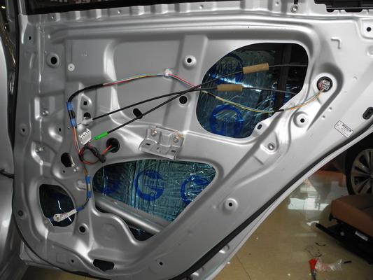 丰田卡罗拉汽车音响改装