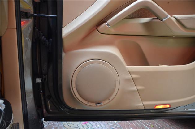 该cd单碟主机是在先锋汽车音响器材数码技术成熟下,所开发研制的第3代