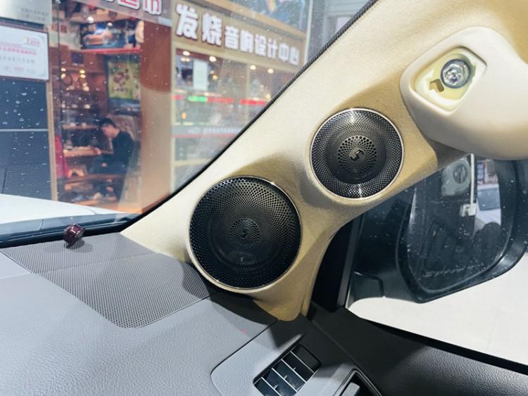丰田霸道2改装诗蔓发烧汽车音响系统,东莞车乐汇汽车音响
